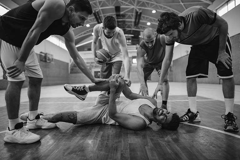 Basketball_Verletzung_SW_768_512_300
