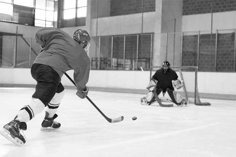 eishockeyschussSW_768_512_300